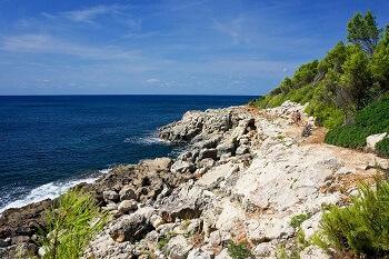 Chemin de randonnée à Minorque.