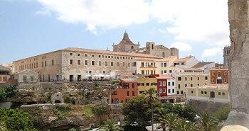 La ville de Mahón à Minorque.