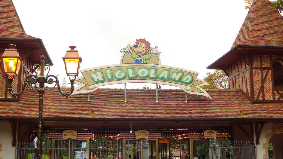 Entrée du parc d'attraction Nigloland.