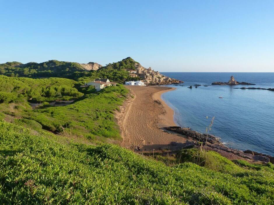 La plage de Cala Pregonda à Minorque.