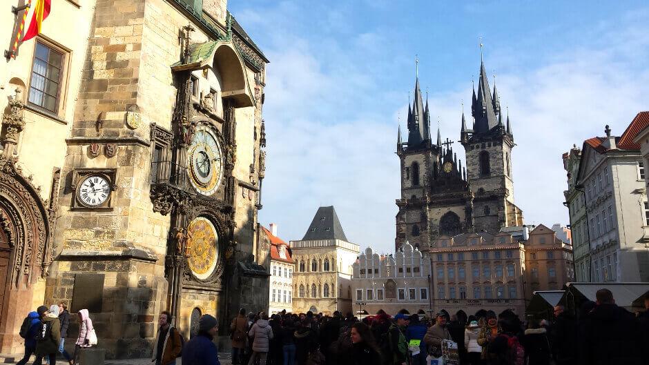 Vue de la place de la Vieille-Ville à Prague.