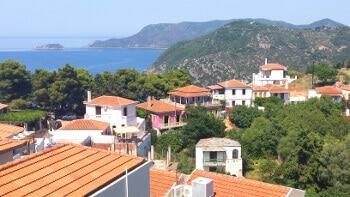 Vue de l'île d'Alonissos en Grèce.