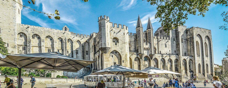 Le palais des papes.