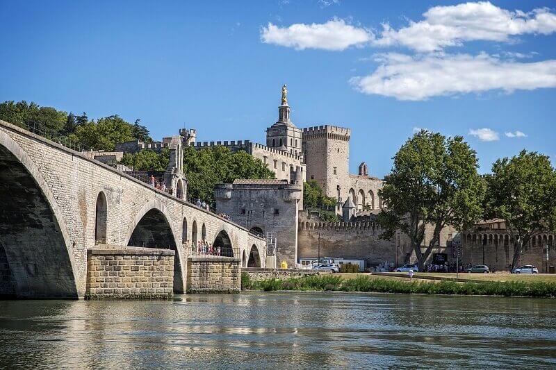 Panorama sur Avignon depuis le pont.