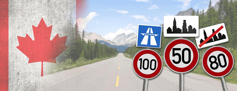 Route et panneaux au Canada.