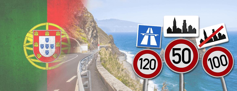 Route et panneaux au Portugal.