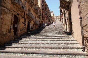 Escalier monumental en Sicile.