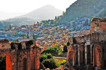 Vue de Taormina en Sicile.