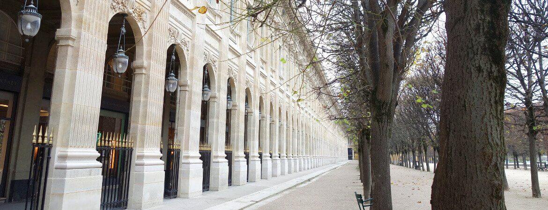 Galerie et jardin du Palais-Royal à Paris.