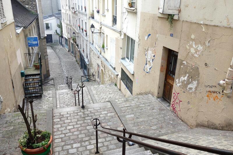Escaliers à Montmartre, à Paris.