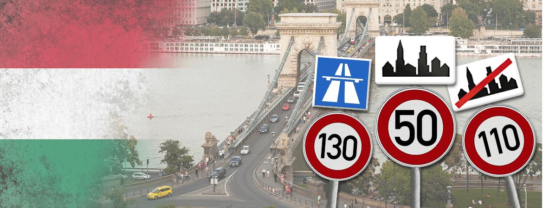 Route et panneaux de circulation en Hongrie.
