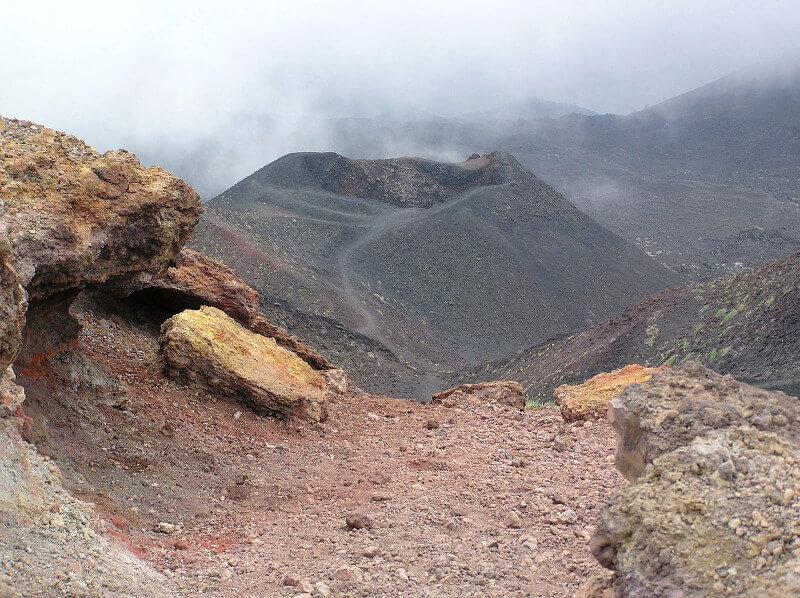 Vue du cratère de l'Etna.