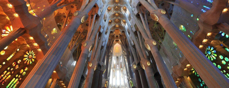 Intérieur de la Sagrada Familia à Barcelone.