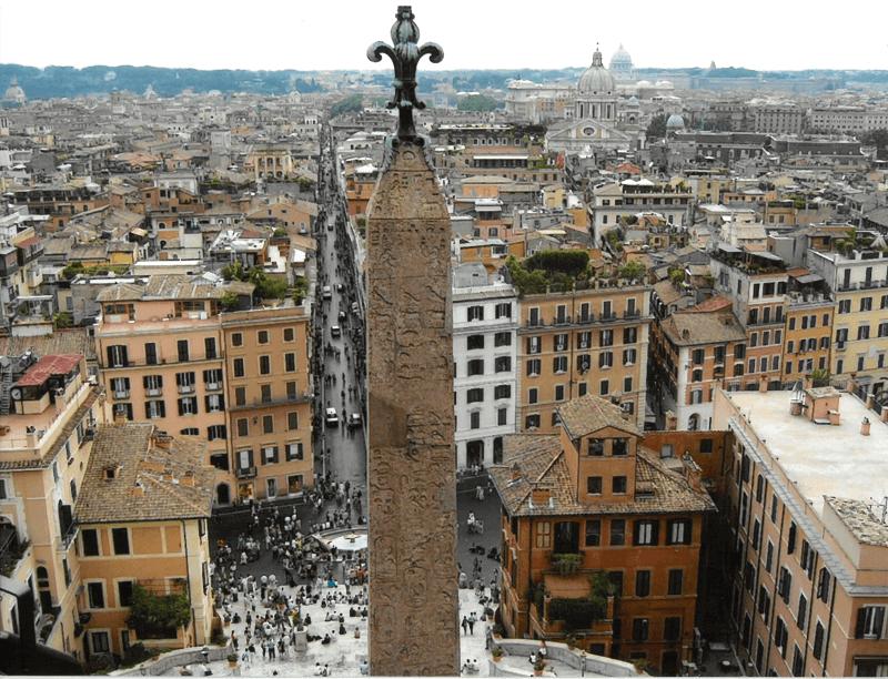 Vue de la place d'Espagne à Rome.