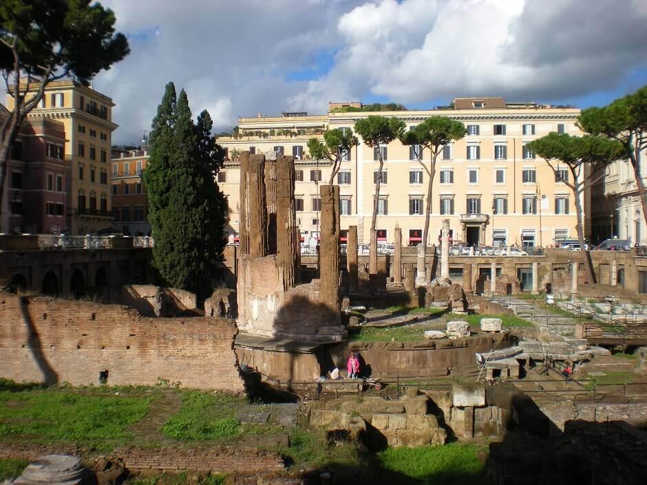 Place archéologique à Rome.