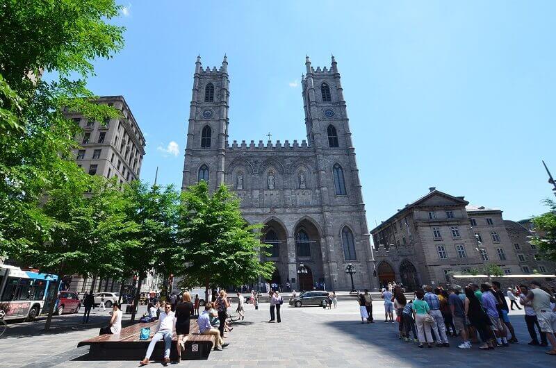 Église à Montréal.