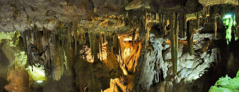 Intérieur d'une grotte.