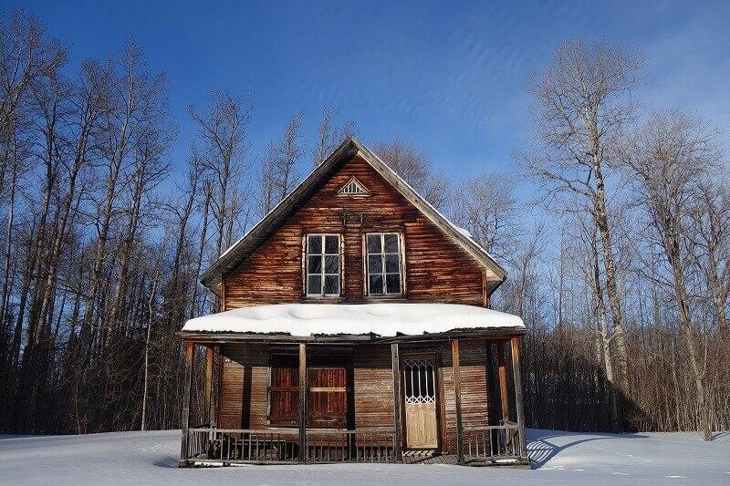 Vieille maison de bois au Canada.