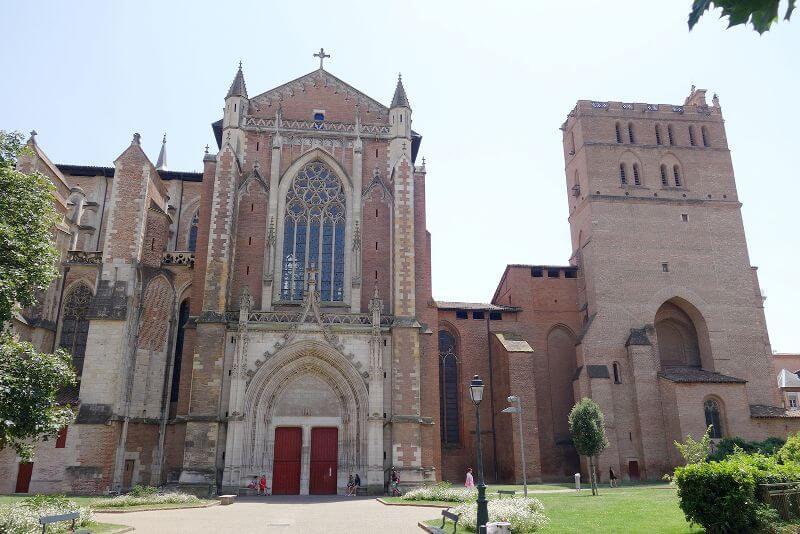 Vue de la cathédrale de Toulouse.