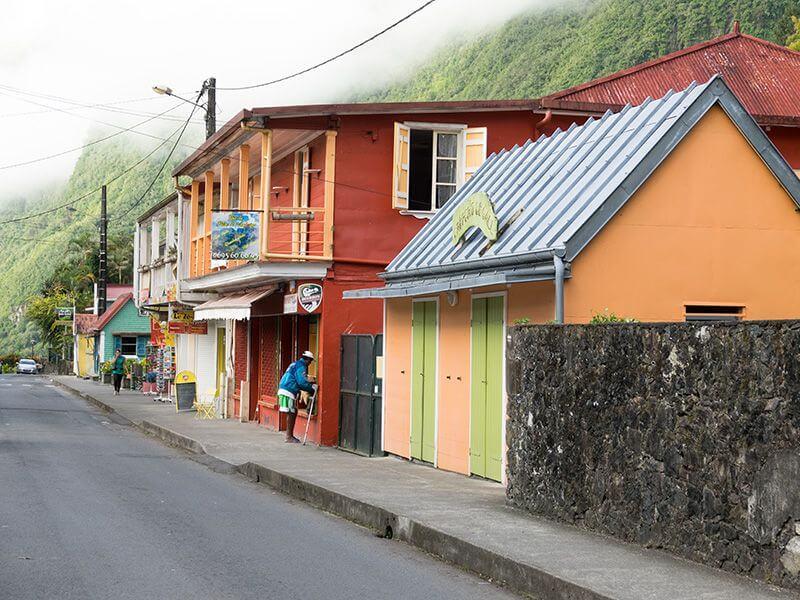 Village coloré à La Réunion.