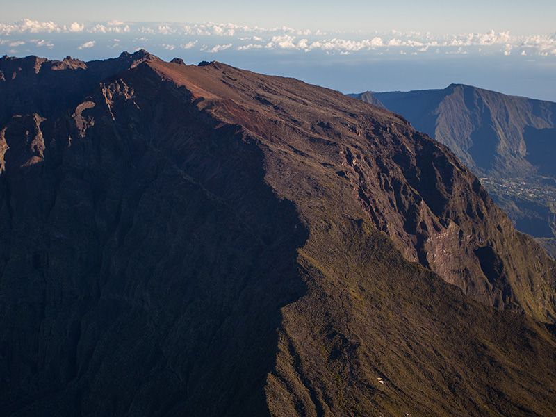 Sommet d'un ancien volcan à La Réunion.