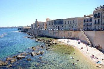 Le front de mer de Syracuse en Sicile.