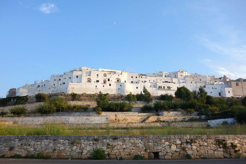 Vue des remparts d'Otrante en Italie.