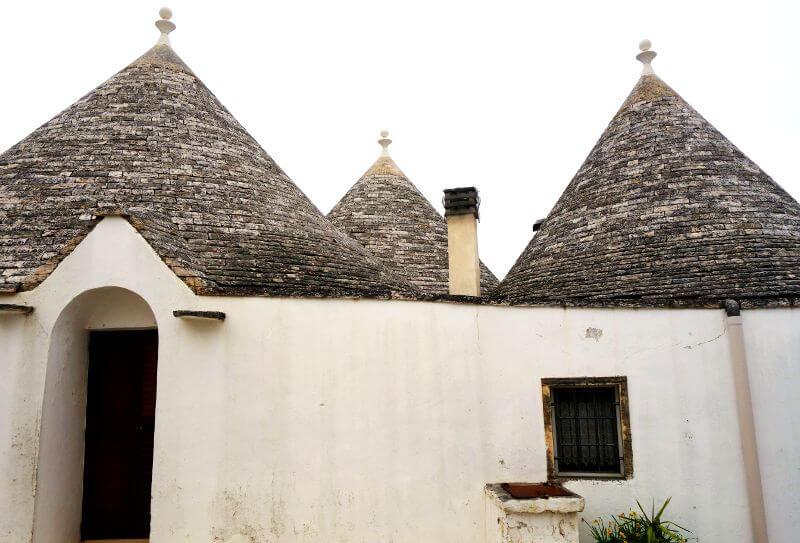 Petites maisons dans les Pouilles en Italie.