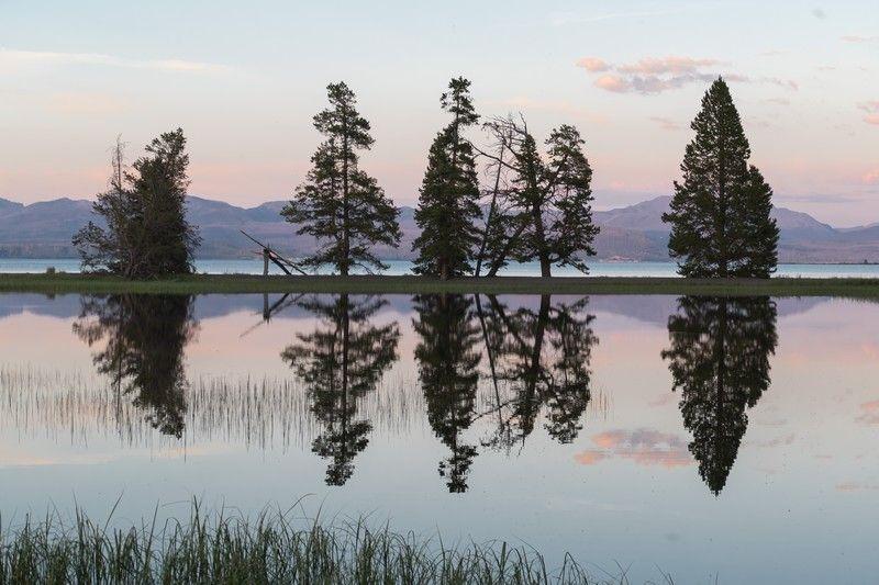 Coucher de soleil sur un lac aux USA.