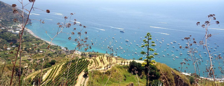 Vue de la côte de Procida près de Naples.