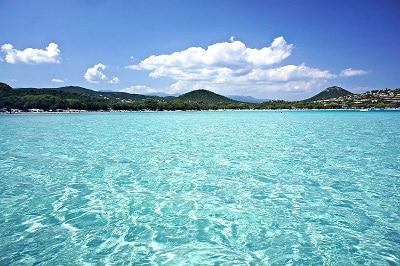 Vue de la plage de Sante Giulia en Corse du Sud.