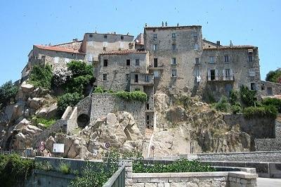 Vue de Sartène en Corse du Sud.