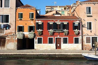 Maisons colorées à Venise.