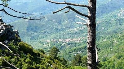Un village de montagne en Grèce.