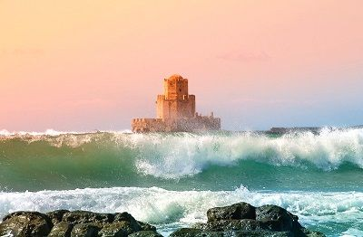 Vue de la tour de Methoni au soleil couchant.