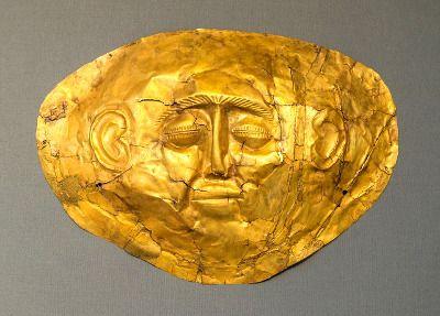 Masque d'or ancien en Grèce.