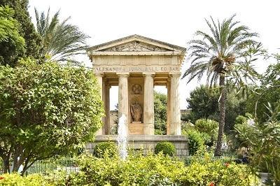 Temple et jardin à La Valette.