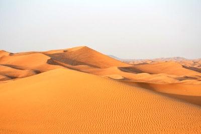 Désert de sable aux Émirats.