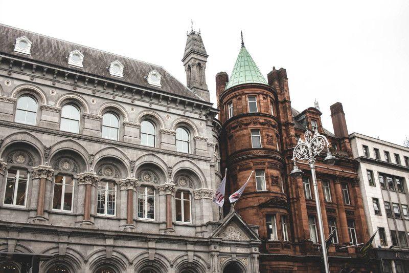 Façades de vieux immeubles à Dublin.