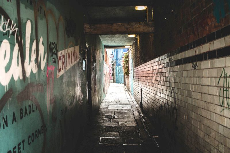 Vue d'un tunnel à piéton à Dublin.