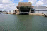 Entrée de la base des sous-marins de Lorient