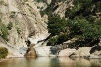 Piscine naturelle dans le massif de Bavella