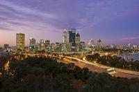 Les grattes ciel de Perth de nuit