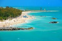 Vue aérienne sur Key West et ses eaux bleues turquoises