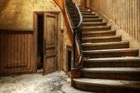 Escalier du château des Deux Amants