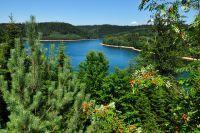 Vue panoramique sur le lac de Pierre-Percée