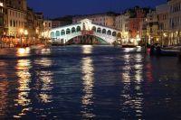Pont du Rialto de nuit