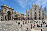 Vue aérienne de la place de Milan et de la cathédrale